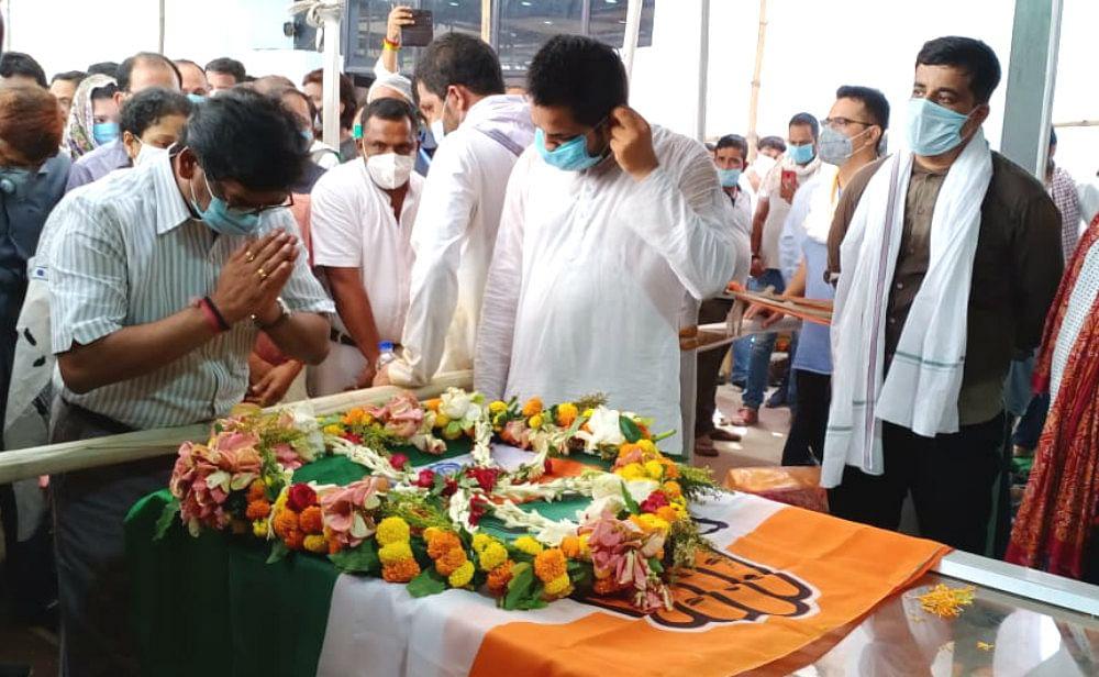 मैंने एक अभिभावक खो दिया, यह मेरी व्यक्तिगत क्षति, राजेंद्र सिंह को मुख्यमंत्री हेमंत ने दी श्रद्धांजलि