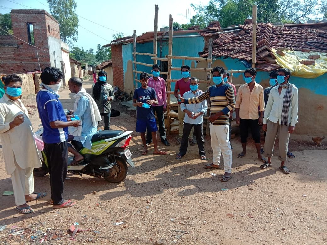 करांजी गांव में पटरी पर लौट रही जिंदगी, जानें कैसे कोरोना मुक्त हुआ रांची का यह गांव