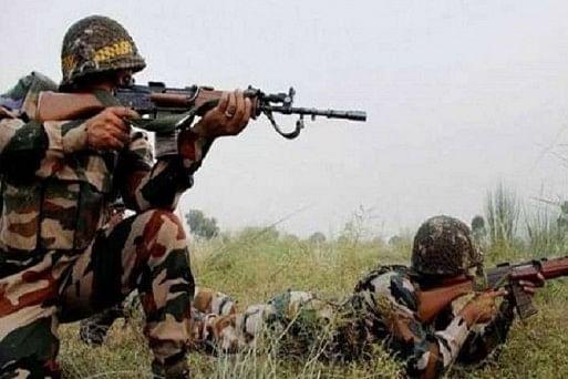 जम्मू-कश्मीर के कुपवाड़ा में आतंकियों ने सुरक्षाबलों पर ग्रेनेड फेंका, सीआरपीएफ का एक जवान घायल