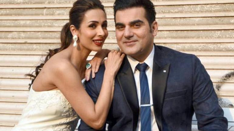 सलमान खान के भाई अरबाज खान और मलाइका अरोड़ा की शादी का टूटना सबसे चौंकाने वाला था. इन दोनों ने शादी के 19 साल बाद एक दूसरे से तलाक ले लिया था.