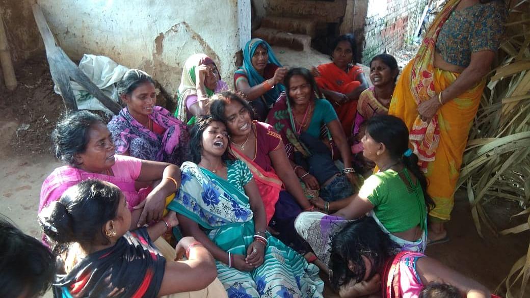 औरंगाबाद में पत्नी की हत्या करनेवाले पति का गांव के बाहर बधार में मिला शव, जांच में जुटी पुलिस