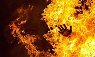 दो मासूम बेटों की हत्या कर महिला ने खुद को आग लगाकर दी जान, हैदराबाद में मजदूरी करता है पति