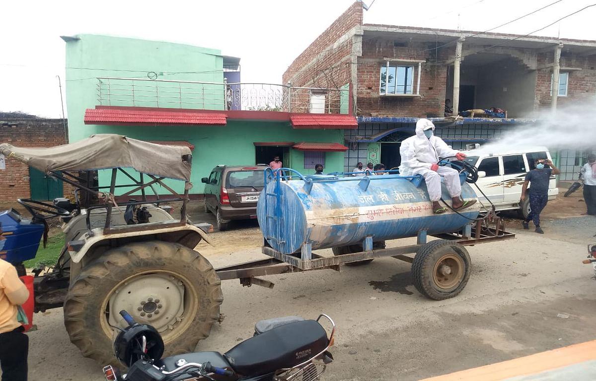 कोडरमा के चेचाई गांव में कोरोना संक्रमितों की संख्या बढ़ी, कंटेनमेंट जोन घोषित कर लगा कर्फ्यू