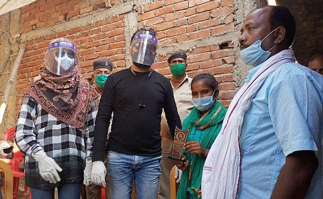 ज्योति कुमारी से मिलने पहुंचे डायरेक्टर फरहान खान