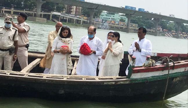 बॉलीवुड अभिनेता सुशांत सिंह राजपूत का अस्थि विसर्जन गंगा में हुआ, बहन ने लिखा भावुक पोस्ट, कहा...