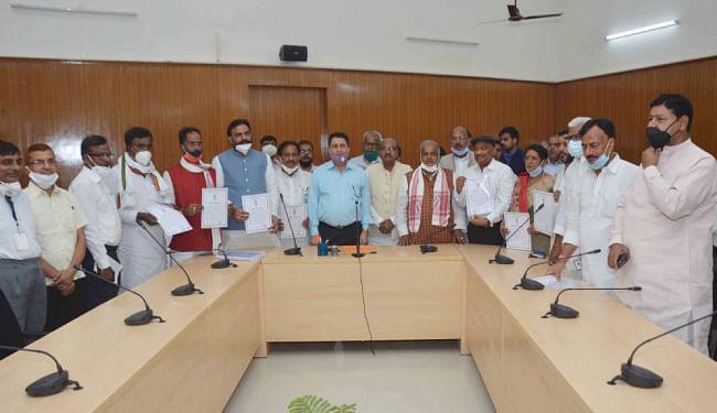 bihar vidhan parishad chunav : सभी नौ प्रत्याशी निर्विरोध चुने गये, JDU को 3, RJD को 3, BJP को 2 और कांग्रेस को 1 सीट मिली
