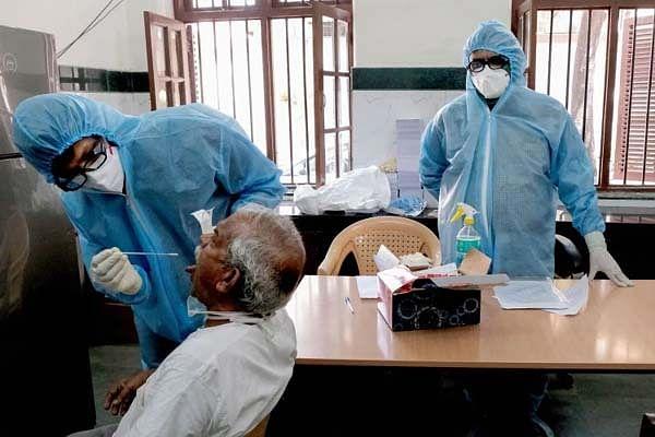 Jharkhand Coronavirus live Update: रांची के कोकर में कोरोना पॉजिटिव रिटायर्ड फौजी की मौत