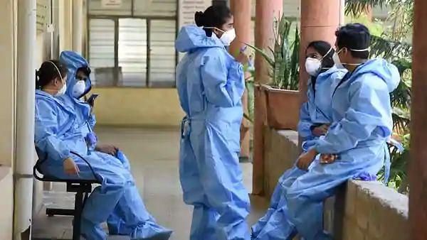Coronavirus Pandemic: देश में कोरोना संक्रमण का आंकड़ा 96 लाख के पार, 4 लाख से अधिक हुए एक्टिव केस