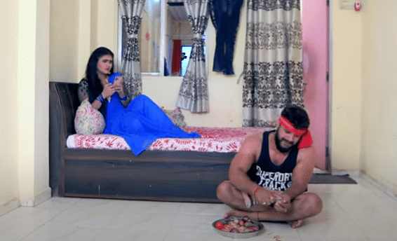 Bhojpuri Song : रिलीज होते ही धूम मचा रहा खेसारीलाल का 'मउगी खेले PUBG' गाना, 4 करोड़ बार देखा गया VIDEO