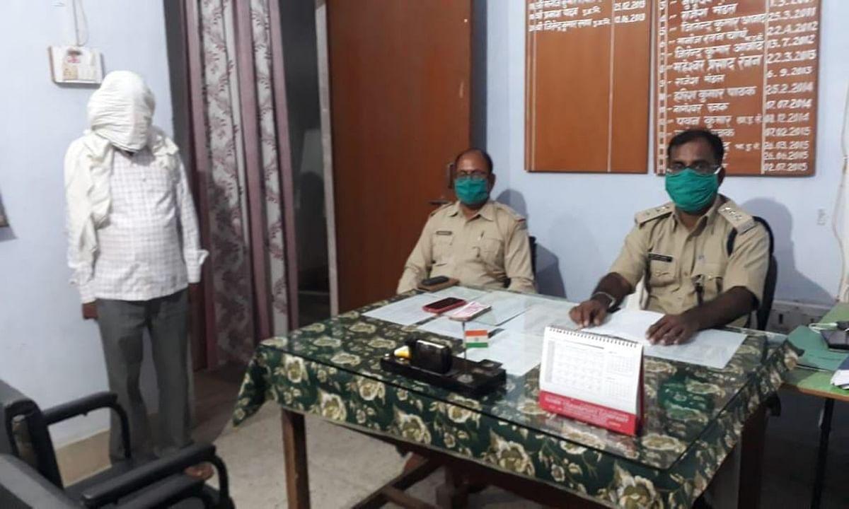 बीड़ी पत्ता ठेकेदार से लिए लेवी के 1 लाख 34 हजार रुपये के साथ युवक गिरफ्तार, गया जेल