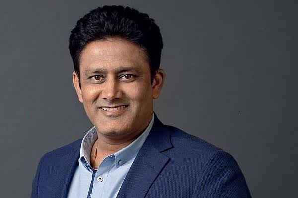 भारत के पूर्व कोच अनिल कुंबले ने बताया कि लार और कृतिम पदार्थ के बिना कैसे बल्लेबाजी और गेंदबाजी में रख सकते हैं तालमेल