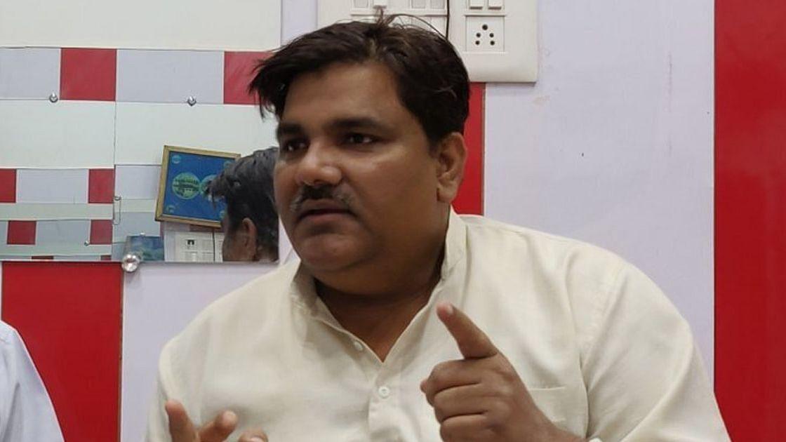 दिल्ली हिंसा के आरोपी ताहिर हुसैन को एक और झटका, EDMC से सदस्यता खत्म करने का प्रस्ताव पास