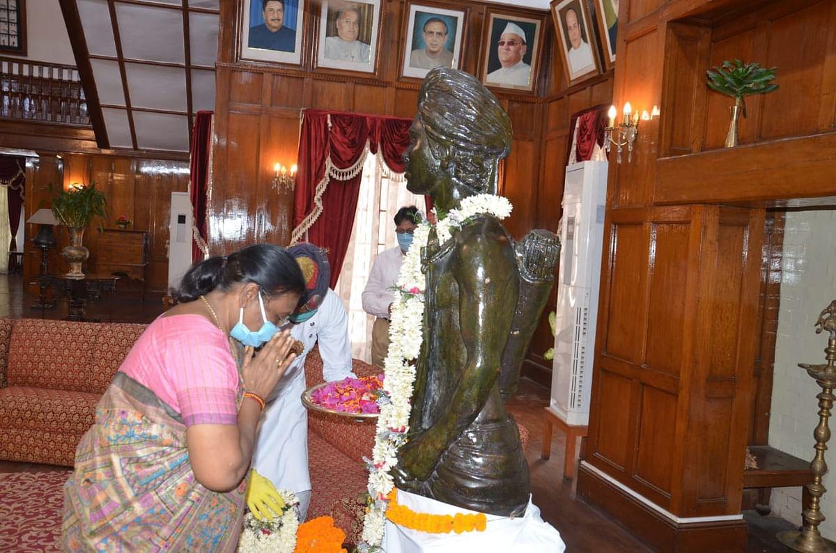 राज्यपाल द्रौपदी मुर्मू और मुख्यमंत्री हेमंत सोरेन ने भगवान बिरसा को किया याद