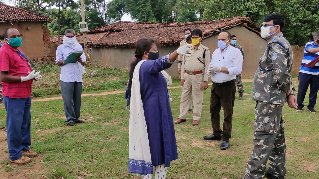 प्रभात खबर पड़ताल : 10 दिनों से गांव में घूमता रहा संक्रमित युवक, रिपोर्ट पॉजिटिव आने के बाद सील किया गया गांव