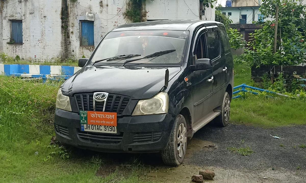 मालदा में झारखंड नंबर की गाड़ी से अफीम का गोंद जब्त, रांची के 4 युवक गिरफ्तार