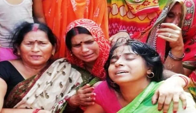 गंगा स्नान के दौरान इकलौते भाई को डूबने से बचाने गयी किशोरी की मौत, भाई ने भी दम तोड़ा