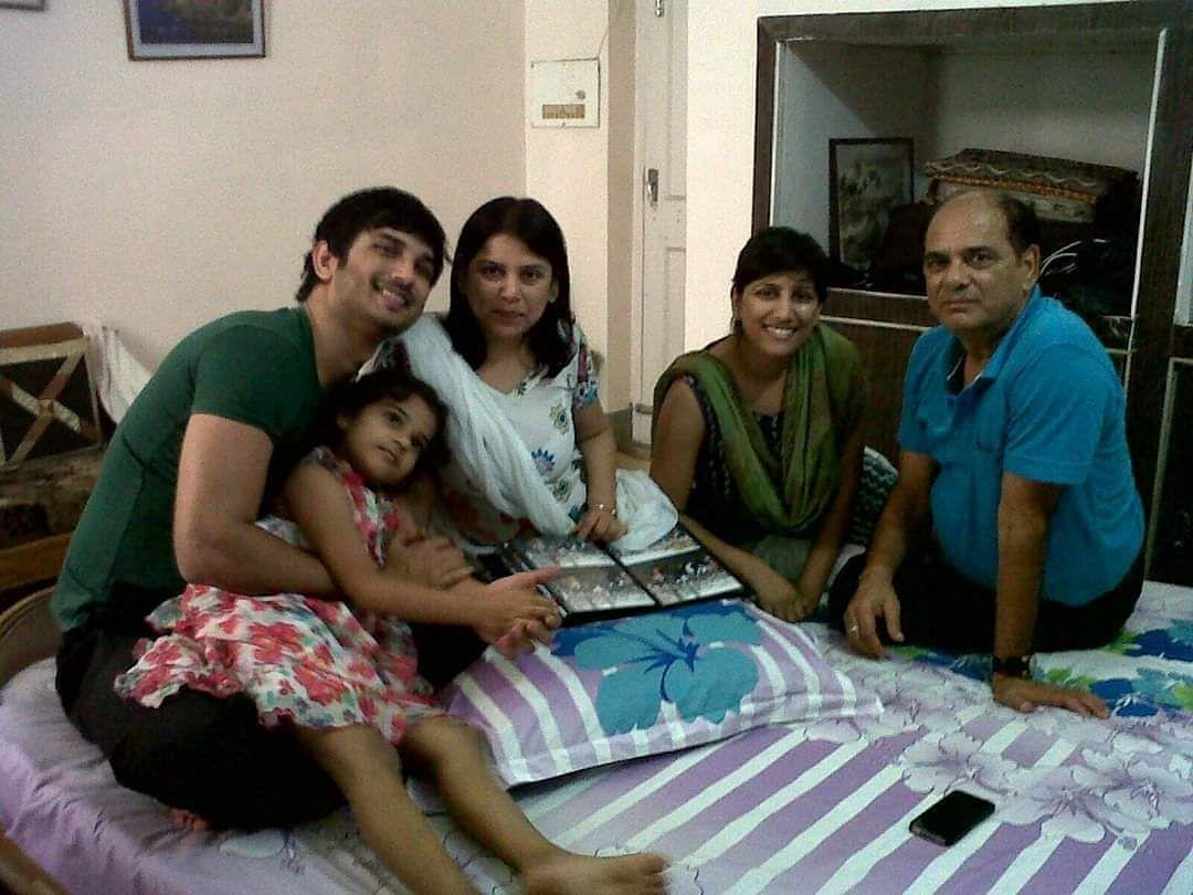 पटना में परिवार के साथ कुछ तस्वीरें