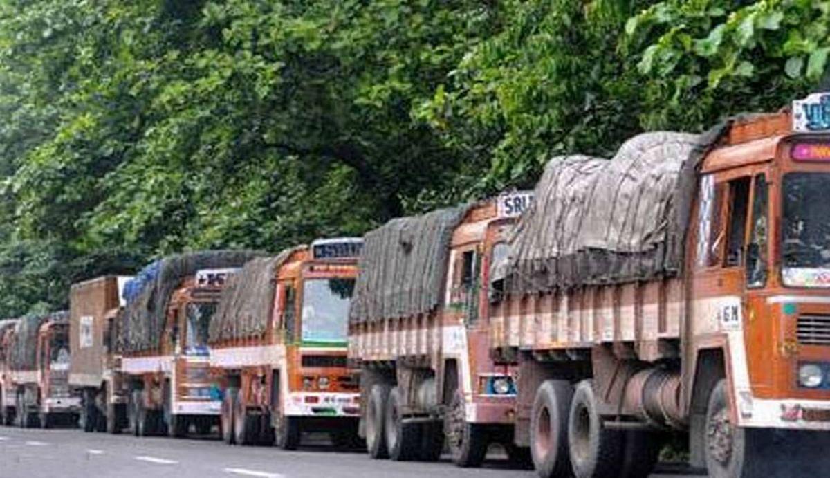'देश में बढ़ रहा है ट्रक ड्राइवरों से कोविड-19 के संक्रमण फैलने का खतरा'