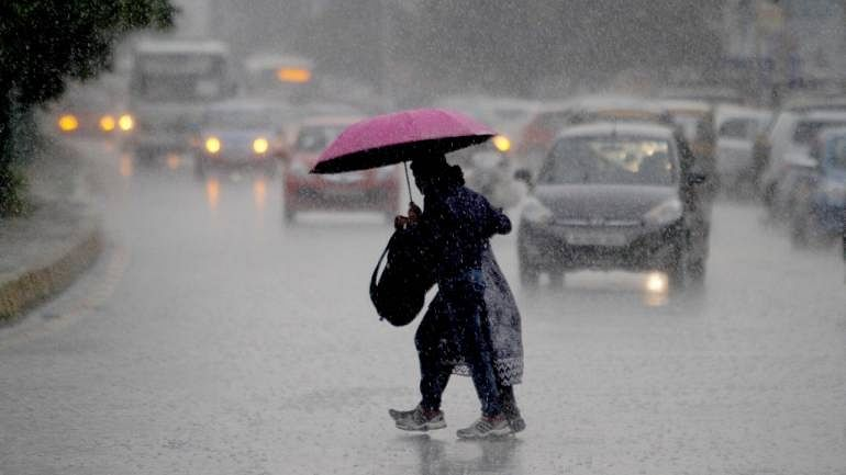 Weather Forecast Update : यूपी में भारी बारिश, आकाशीय बिजली गिरने से 3 लोगों की मौत, जानें झारखंड-बिहार के मौसम का हाल