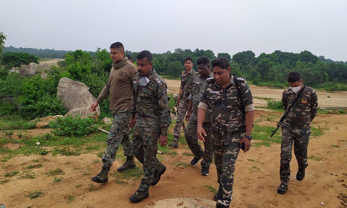 पीएलएफआई उग्रवादियों की तलाश तेज, गुमला एसपी ने चलाया सर्च ऑपरेशन