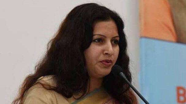 मंडी सचिव को थप्पर मारना पड़ा भारी, बीजेपी नेता Sonali Phogat पर एफआईआर दर्ज