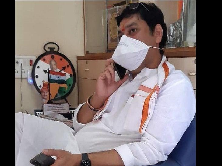 महाराष्ट्र के मंत्री धनंजय मुंडे कोरोना वायरस से संक्रमित
