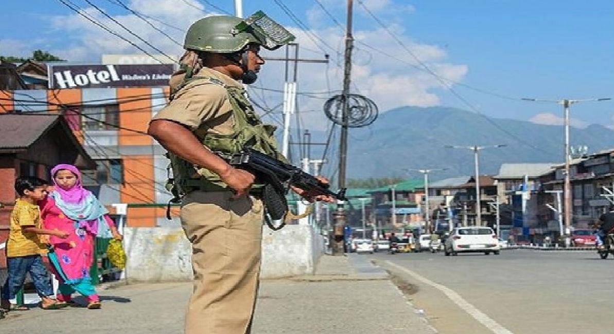 'अनुच्छेद 370 हटने से कश्मीरी खुश, परेशान है पाकिस्तान'