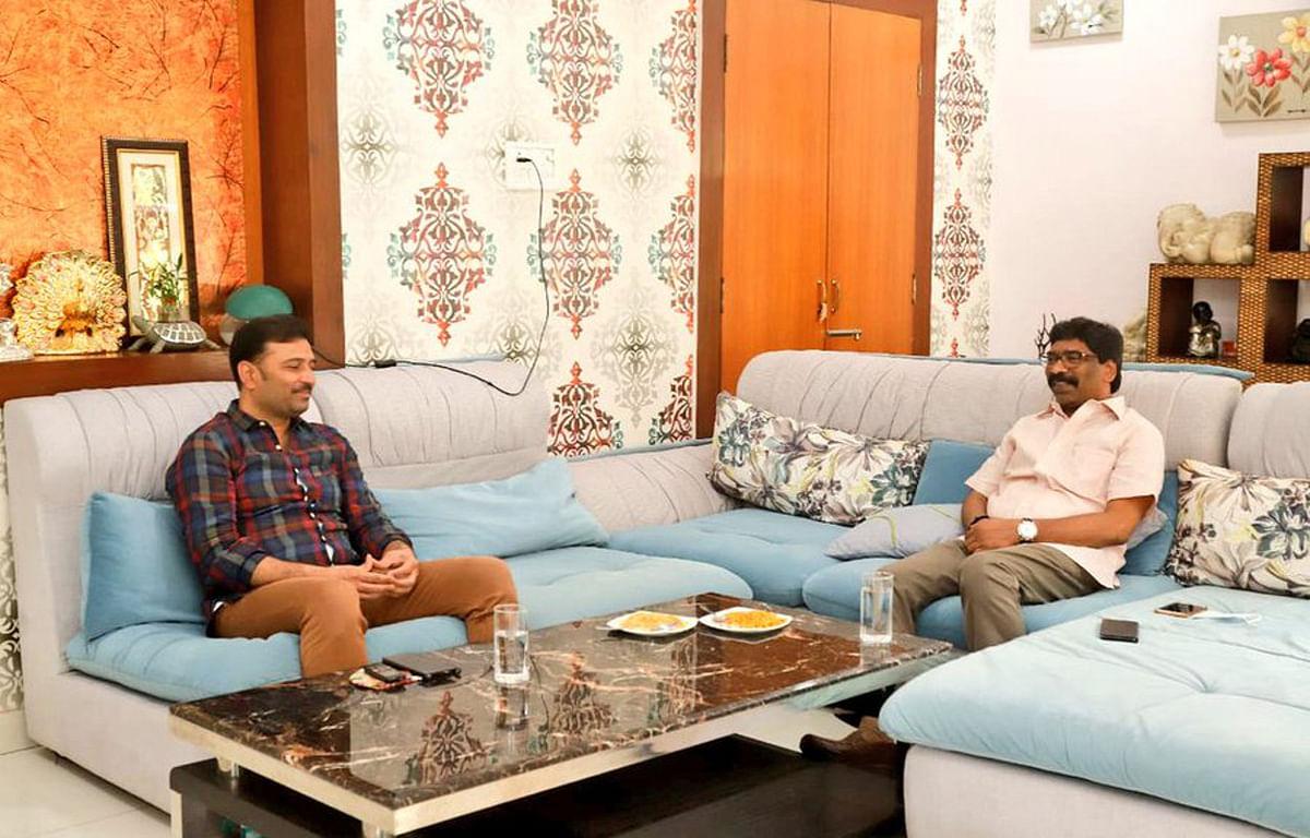 राज्यसभा चुनाव की सरगर्मी के बीच मुख्यमंत्री हेमंत सोरेन और सुदेश महतो की मुलाकात, राज्य की मौजूदा स्थिति पर हुई चर्चा