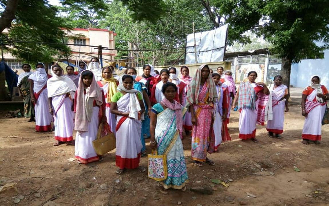 गुमला में पुलिस ने ग्रामीण युवकों को पीटा, मामला गरमाया