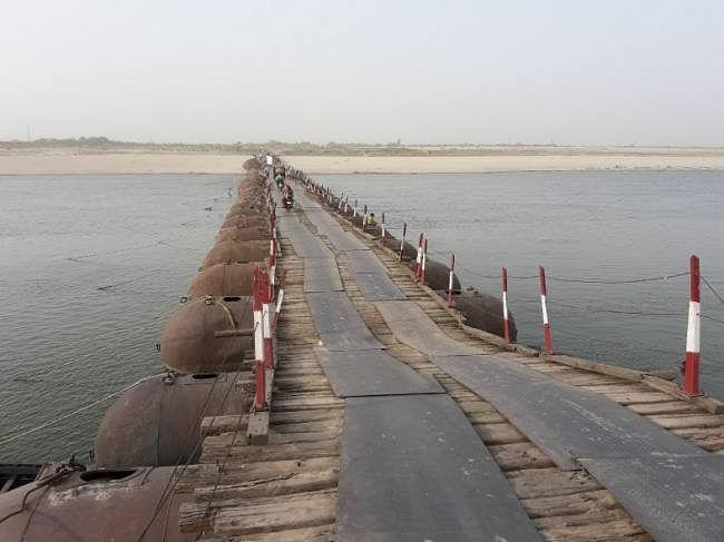 परेशानी : 15 से हटेंगे पीपा पुल, पर माह अंत से पहले नहीं पूरा होगा गांधी सेतु का पश्चिमी लेन