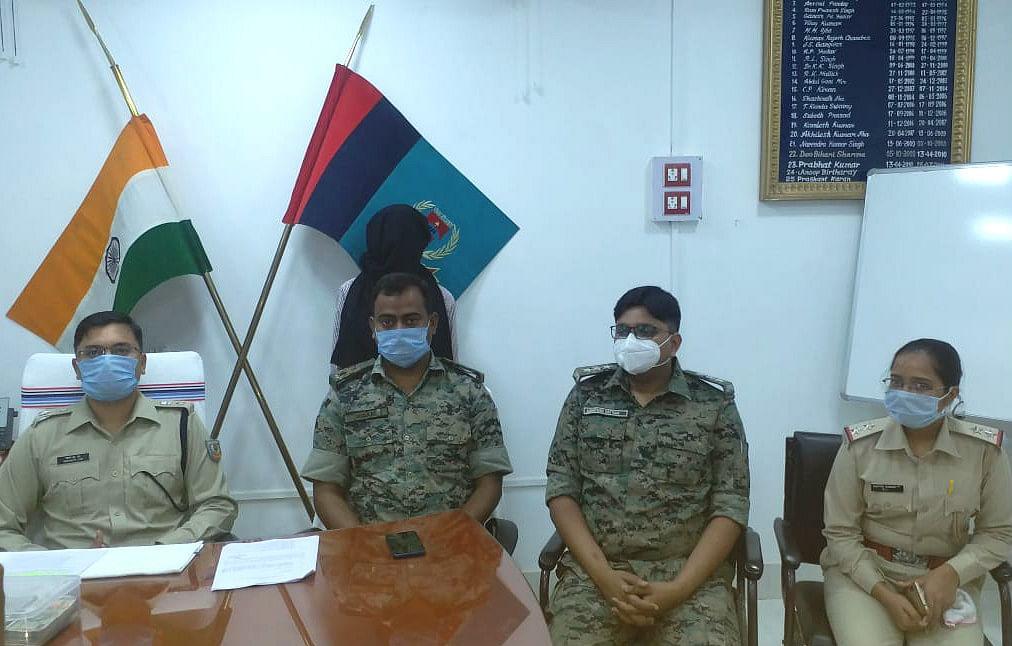 पांच लाख का इनामी नक्सली गिरफ्तार, पत्नी से आया था मिलने, चतरा पुलिस ने दबोचा