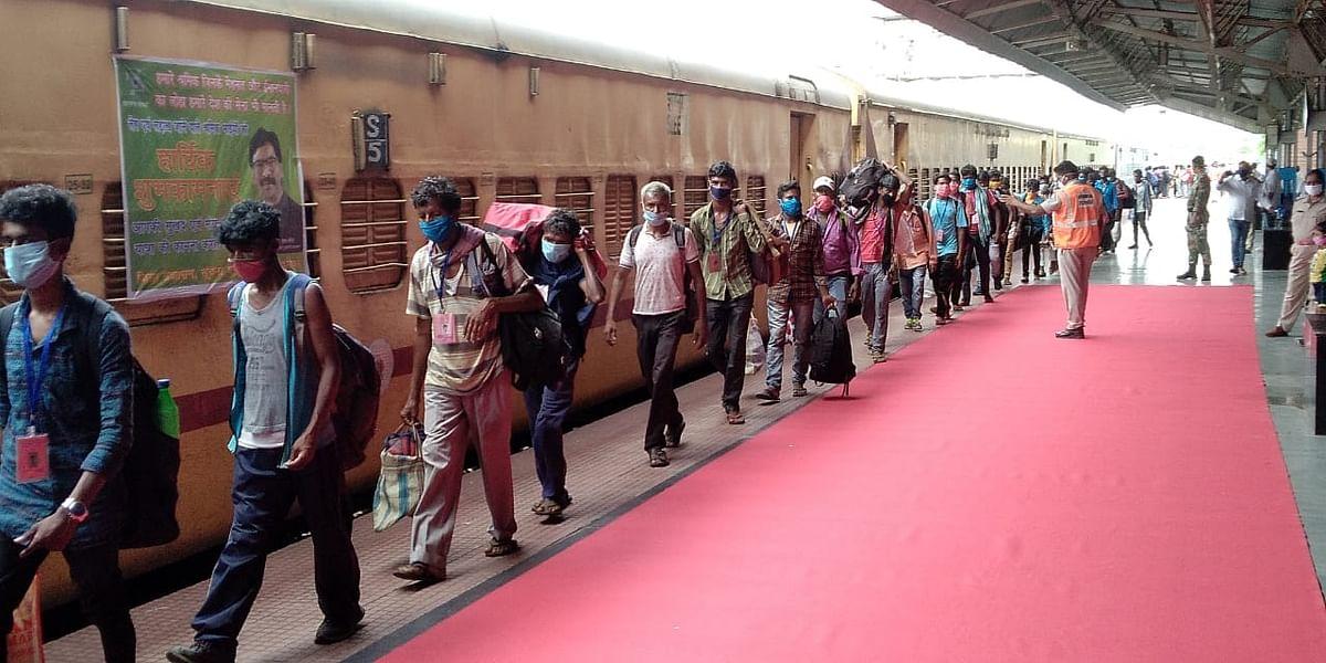 मुख्यमंत्री हेमंत सोरेन बोले- बिहार से आ रही ट्रेन झारखंड में ला रही कोरोना, रेलवे ने कहा 13 से होगी बंद