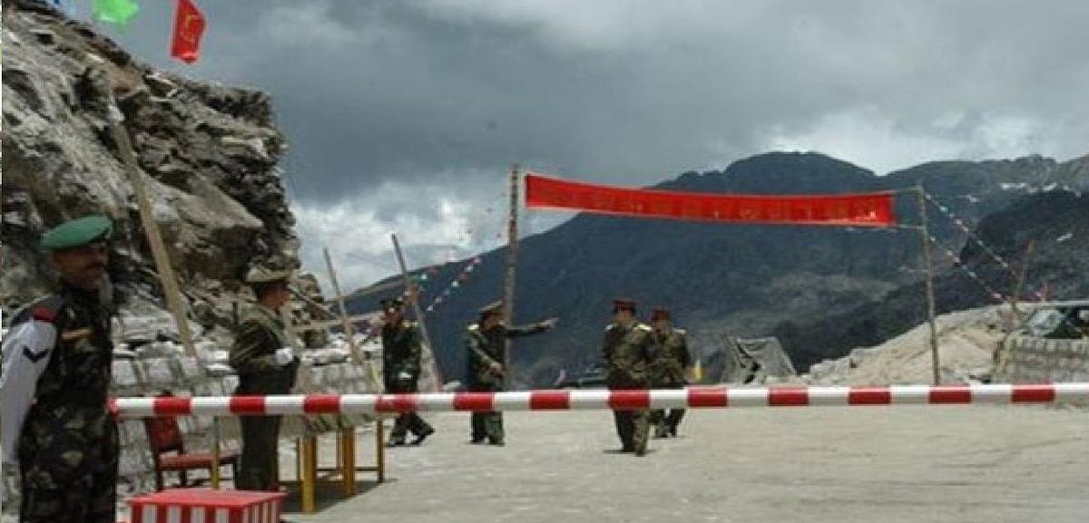 हरकतों से बाज नहीं आ रहा चीन, LAC पर लगातार बढ़ा रहा सैन्य ताकत