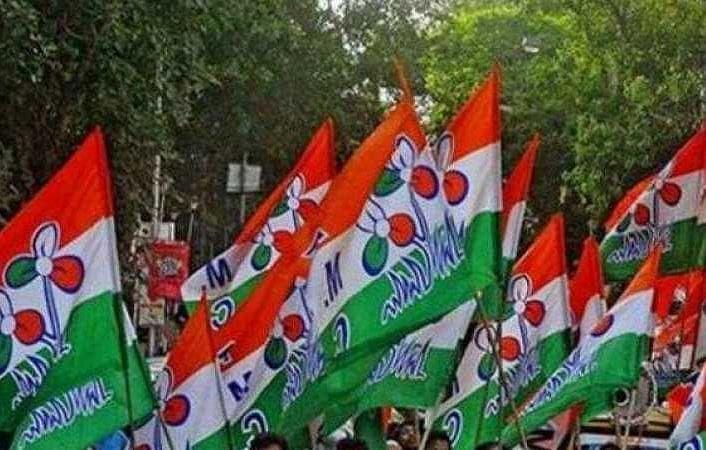 Bengal Chunav 2021 : बंगाल में चुनाव से पहले टीएमसी के दो गुटों में संघर्ष, दो कार्यकर्ताओं की मौत