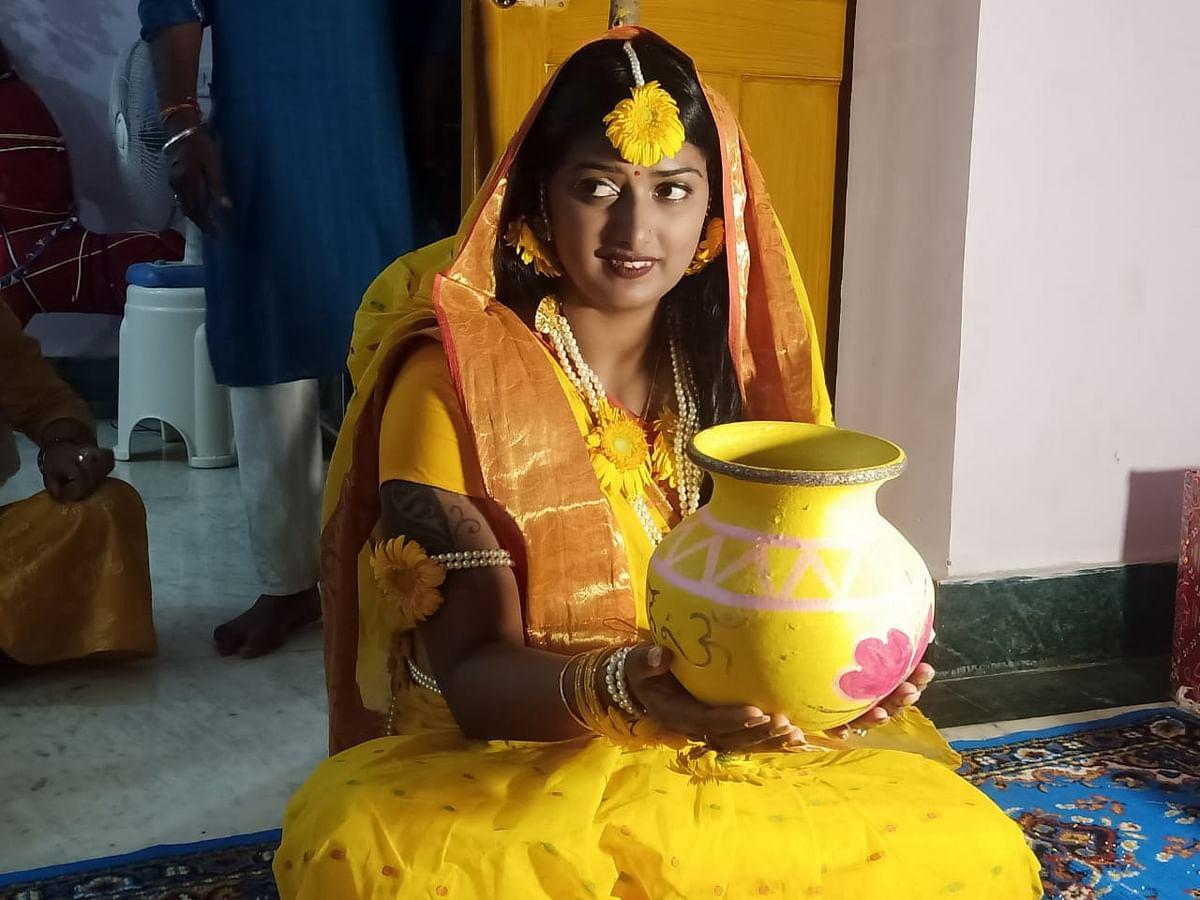 In Pics : दीपिका कुमारी आज अतनु के साथ लेंगी सात फेरे, शादी से पहले पीली साड़ी में ऐसी दिखीं आर्चरी क्वीन