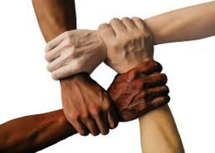 रंगभेद का शिकार हमारा समाज