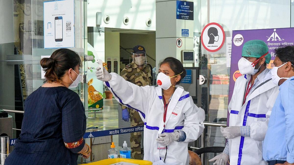 देश को डरा रही कोरोना की रफ्तार,  15 दिन में एक लाख से दो लाख हो गये संक्रमण के मामले