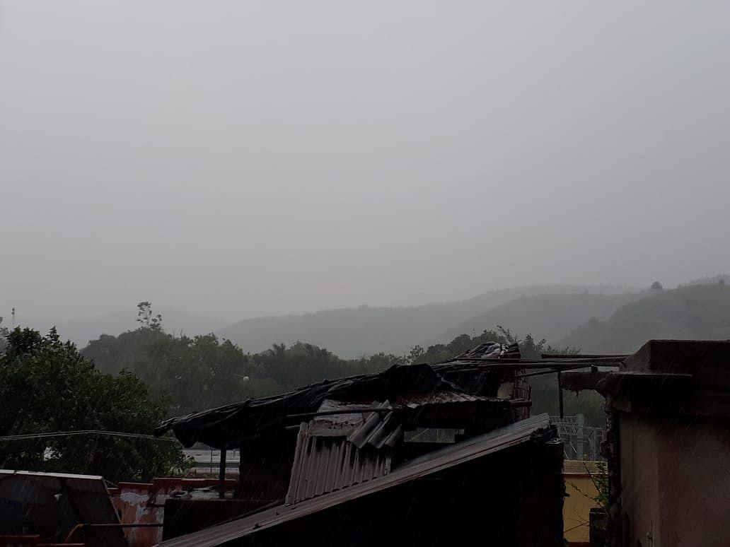 Weather Today: चतरा और साहिबगंज में बदला मौसम का मिजाज, मौसम केंद्र ने 9 बुलेटिन में 19 जिलों के लिए जारी की चेतावनी