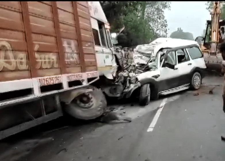 यूपी में दर्दनाक सड़क हादसा, राजस्थान से बिहार आ रहे 9 लोगों की हुई मौत