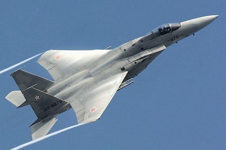 चीन का दावा बातचीत से सुलझेगा मुद्दा, दूसरी तरफ भारतीय सीमा के नजदीक उड़ा रहा लड़ाकू विमान