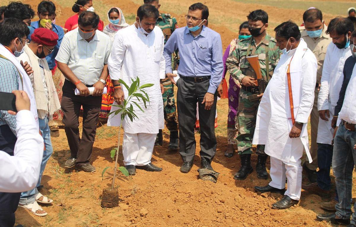 झारखंड में 'पानी रोको पौधा रोपो' अभियान की शुरुआत, गांव का पानी गांव में व खेत का पानी खेत में रखने पर जोर