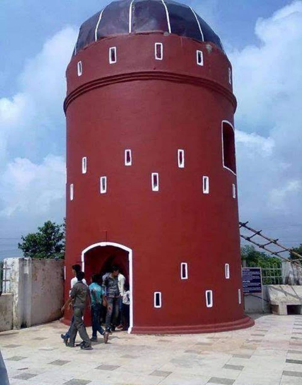 सौंदर्यीकरण के बाद का मार्टेलो टावर.