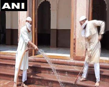अलीगढ़ मुस्लिम यूनिवर्सिटी की जामा मस्जिद