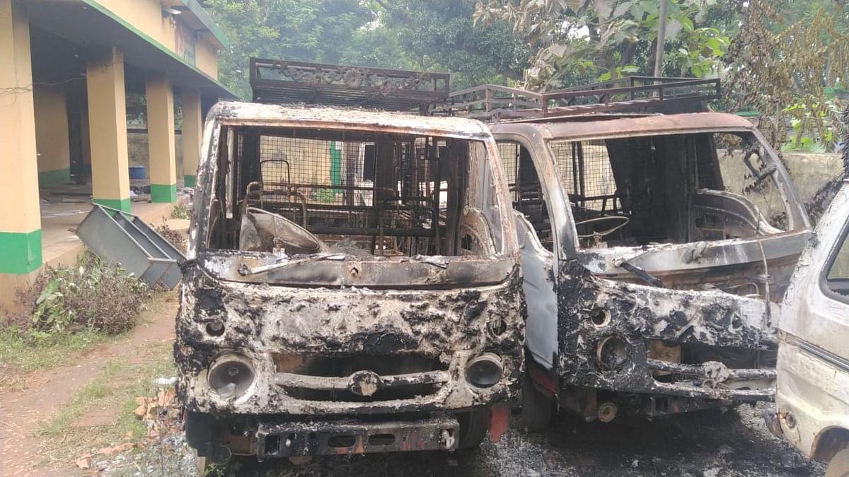 झारखंड : 100 नक्सलियों ने चाईबासा के पास 7 घंटे तक मचाया तांडव, 12 भवनों को विस्फोट कर उड़ाया