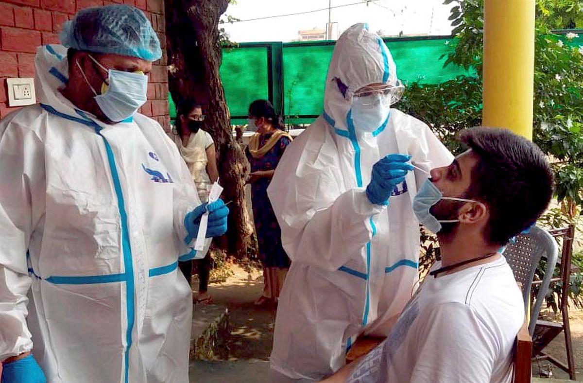 Coronavirus Outbreak : देश में कोरोना मरीजों की संख्या 8 लाख के पार, अब तक 22000 से अधिक की मौत
