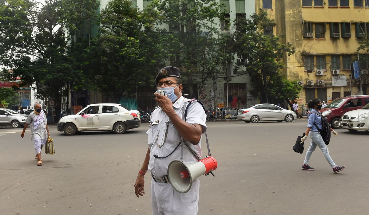 पश्चिम बंगाल में 23, 25 और 29 जुलाई को पूर्ण Lockdown रहेगा, पढ़ाई की बंदी भी आगे बढ़ेगी