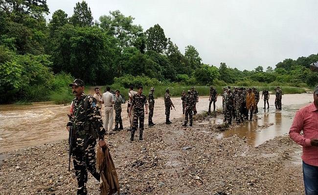 बिहार : सुरक्षाबलों को मिली बड़ी कामयाबी, बगहा में चार नक्सली मुठभेड़ में ढेर