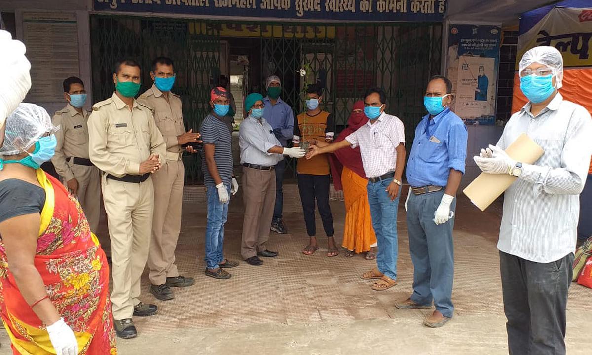 Coronavirus in Jharkhand : साहिबगंज में 2 कोरोना संक्रमितों ने जीती जंग, सम्मानपूर्वक हुए विदा, रविवार को मिले 2 नये मरीज