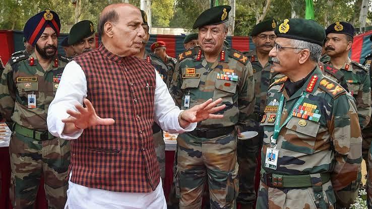 आर्मी चीफ के साथ लद्दाख जायेंगे रक्षा मंत्री राजनाथ सिंह, लेंगे सुरक्षा तैयारियों का जायजा
