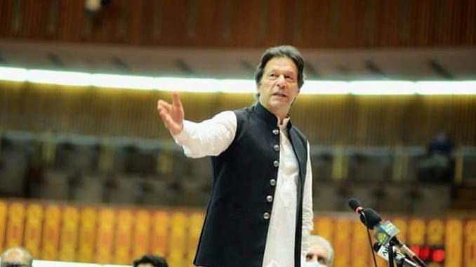 'कराची आतंकी हमले के पीछे भारत की साजिश' पाकिस्तान के पीएम इमरान खान का बेतुका बयान